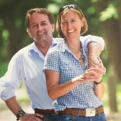 Anne & Derek MCLAREN