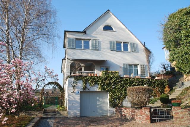 bed breakfast villa feldpausch z rich bed and breakfast switzerland. Black Bedroom Furniture Sets. Home Design Ideas